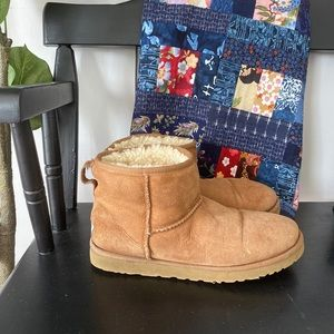Ugg short tan boots size 9